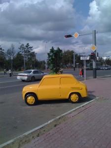 Жёлтый запорожец